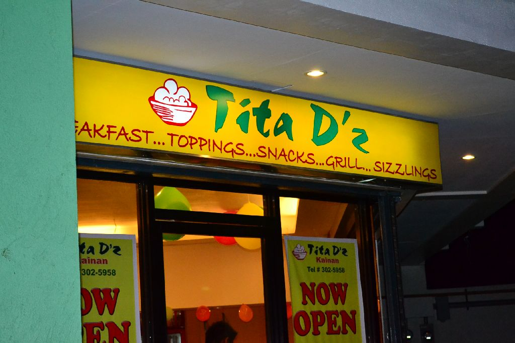 Tita D'z Diner - Place