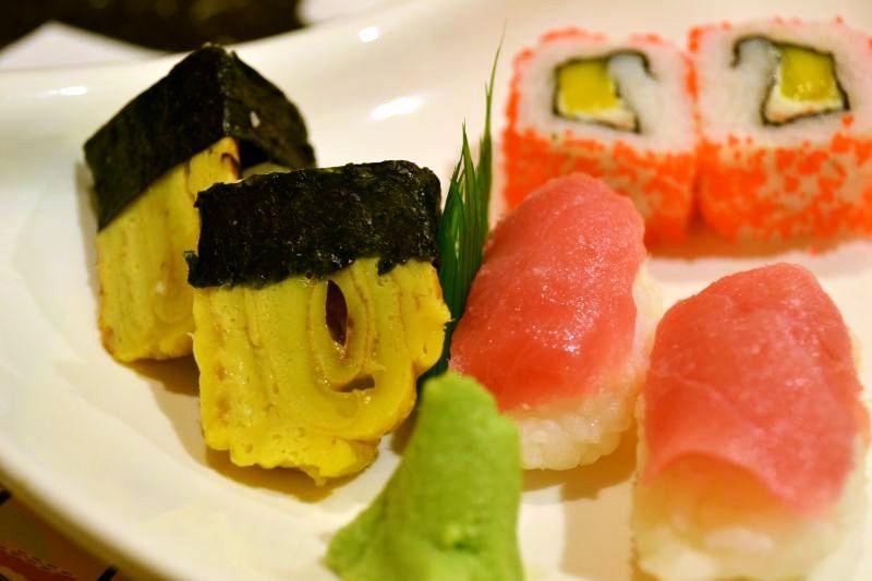 sushi-feast-tamago-california-maguro-sushi